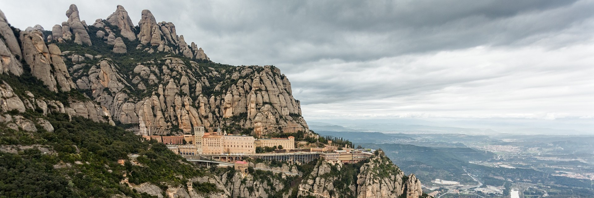 Carte Barcelone Montserrat.Everything You Need To Know To Visit Montserrat In Barcelona Lugaris