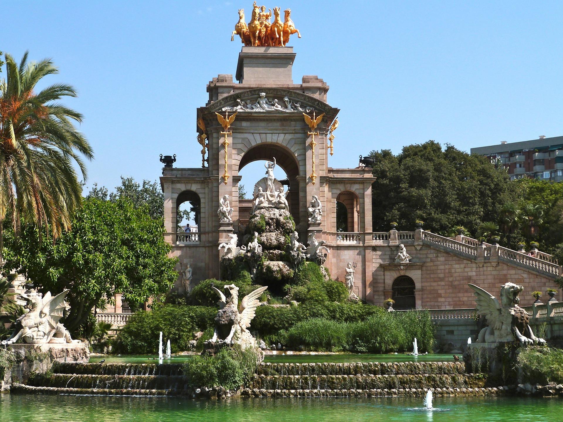 Лучшие парки Барселоны для семейных прогулок с детьми Лучшие парки Барселоны для семейных прогулок с детьми ciutadella
