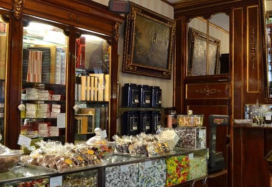 oldest shops in barcelona- Fargas