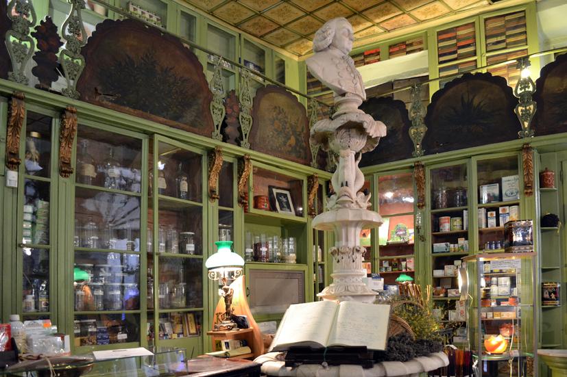 most beautiful shops in Barcelona- herboristeria del rei