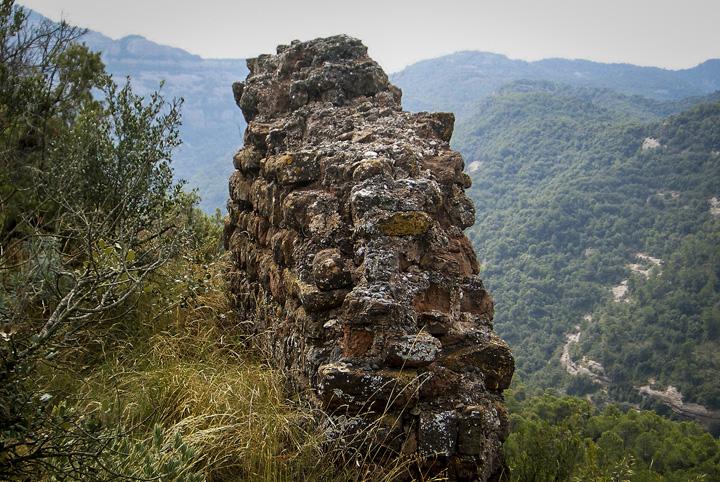 where to see castles near barcelona, mura
